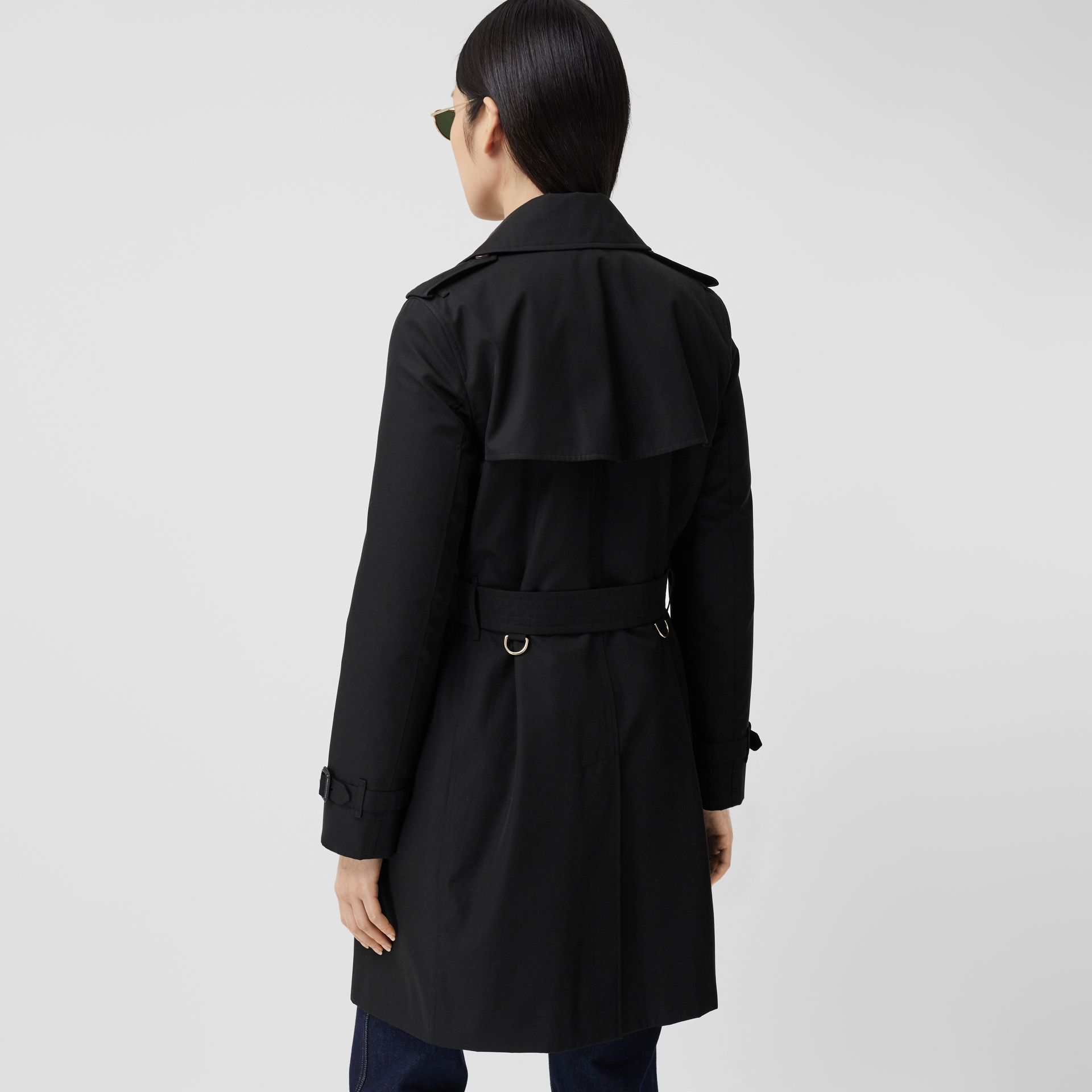 The Short Islington Trench Coat in Black - Women | Burberry - gallery image 2