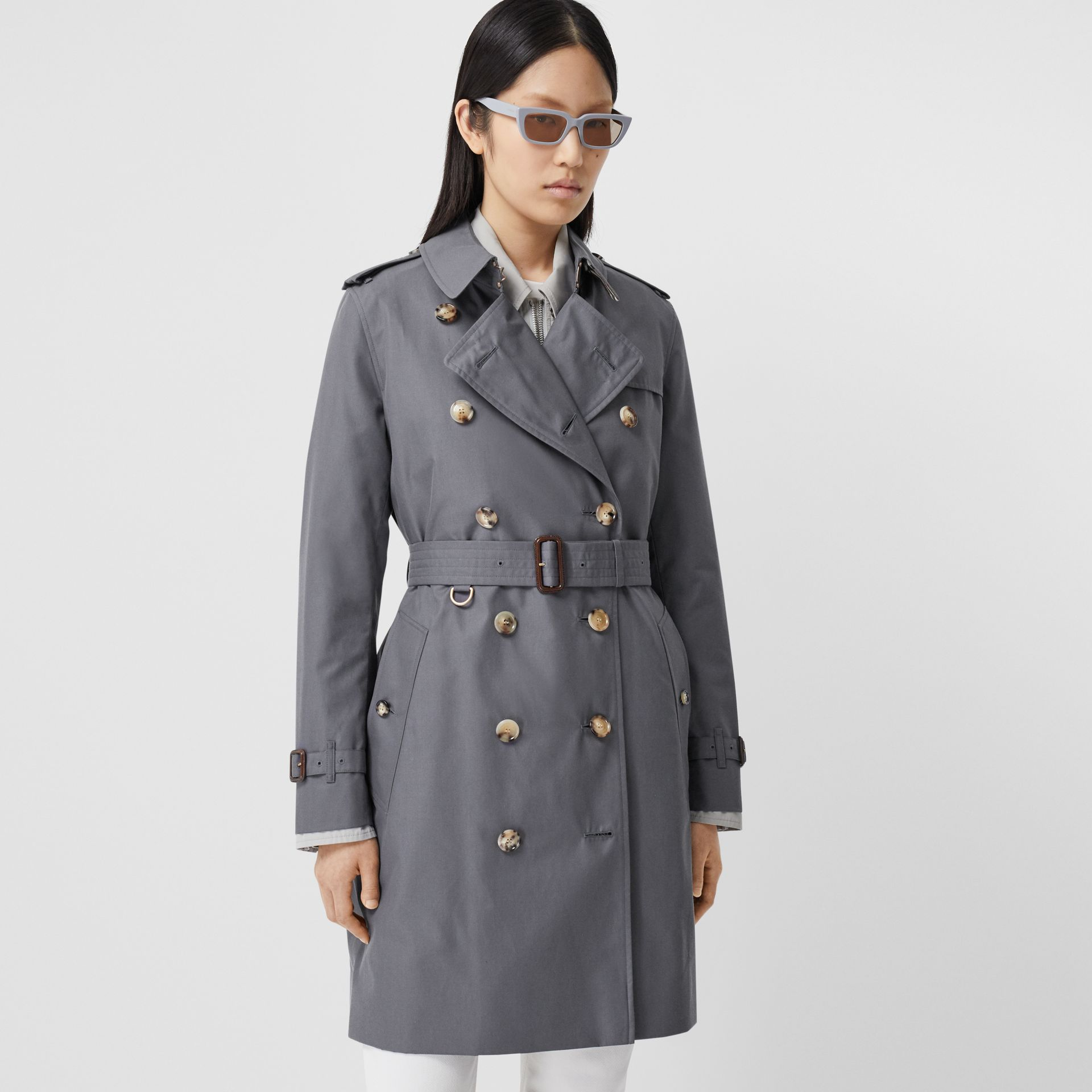 Trench Heritage mi-long The Kensington (Gris Moyen) - Femme | Burberry - photo de la galerie 6