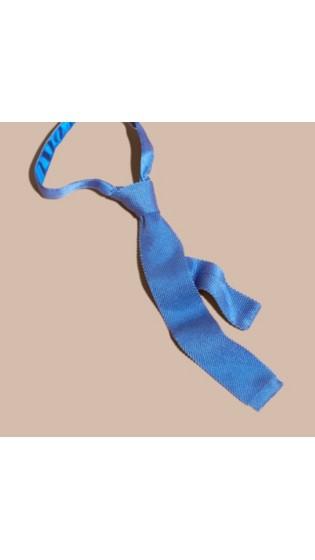 浅蓝色领带搭配图片