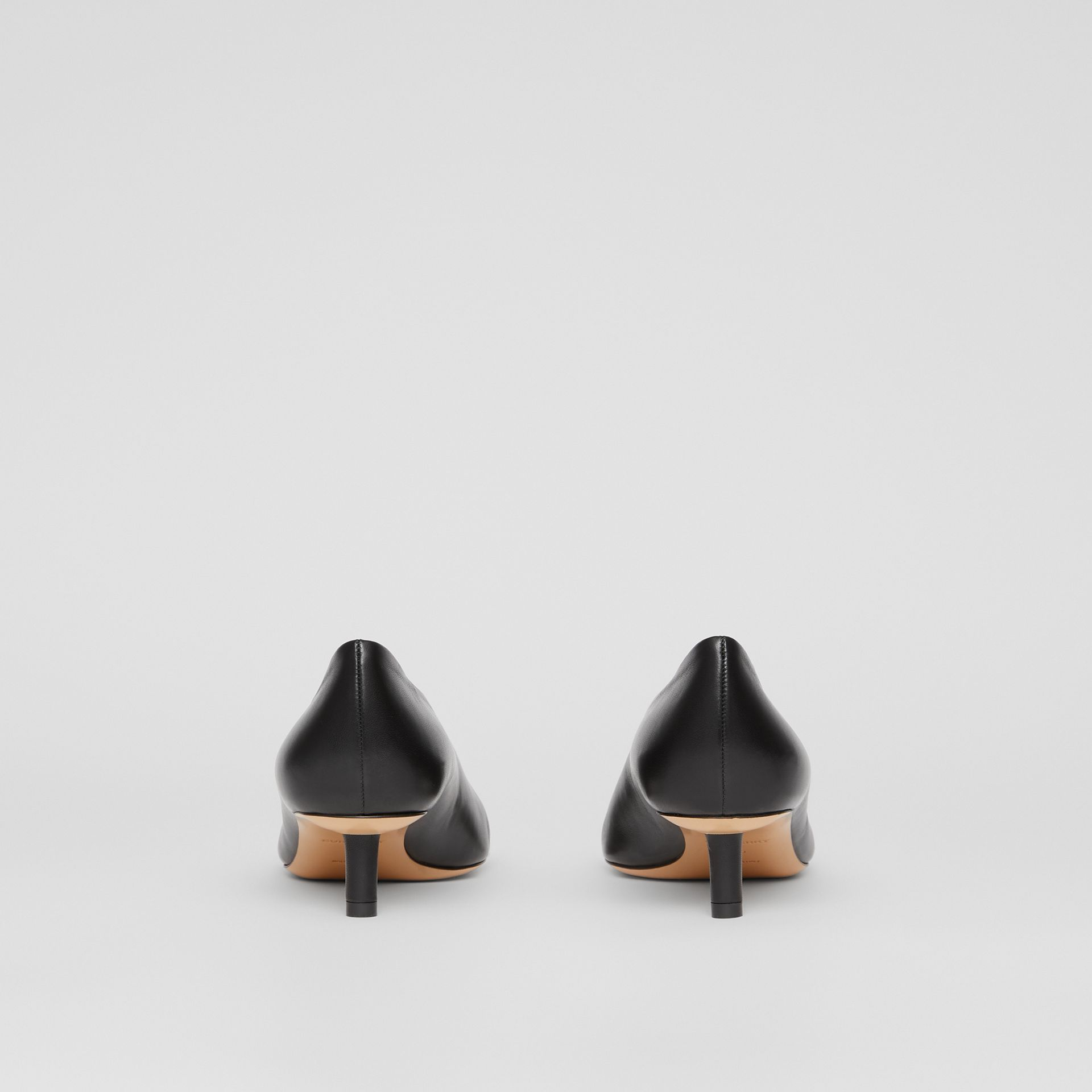 Scarpins de couro de cordeiro com salto kitten (Preto) - Mulheres   Burberry - galeria de imagens 4