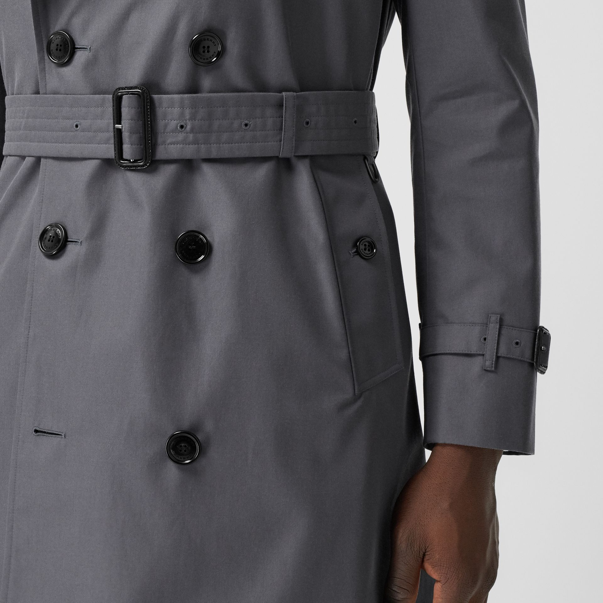 The Mid-length Chelsea Heritage Trench Coat in Grey - Men | Burberry Australia - gallery image 5