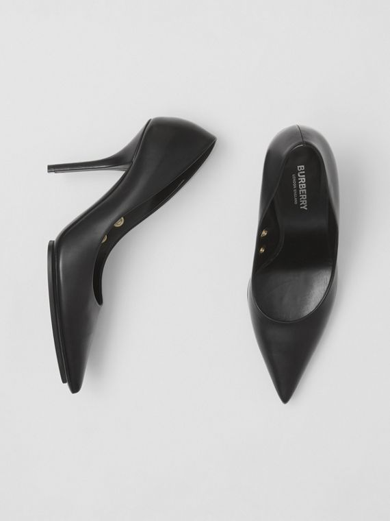 Eyelet Detail Leather Point-toe Pumps in Black