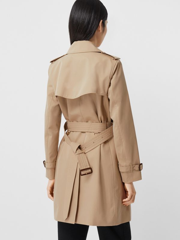The Short Islington Trench Coat in Honey - Women | Burberry United Kingdom - cell image 2
