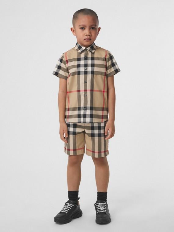 Camisa xadrez de algodão stretch com mangas curtas (Bege Clássico)