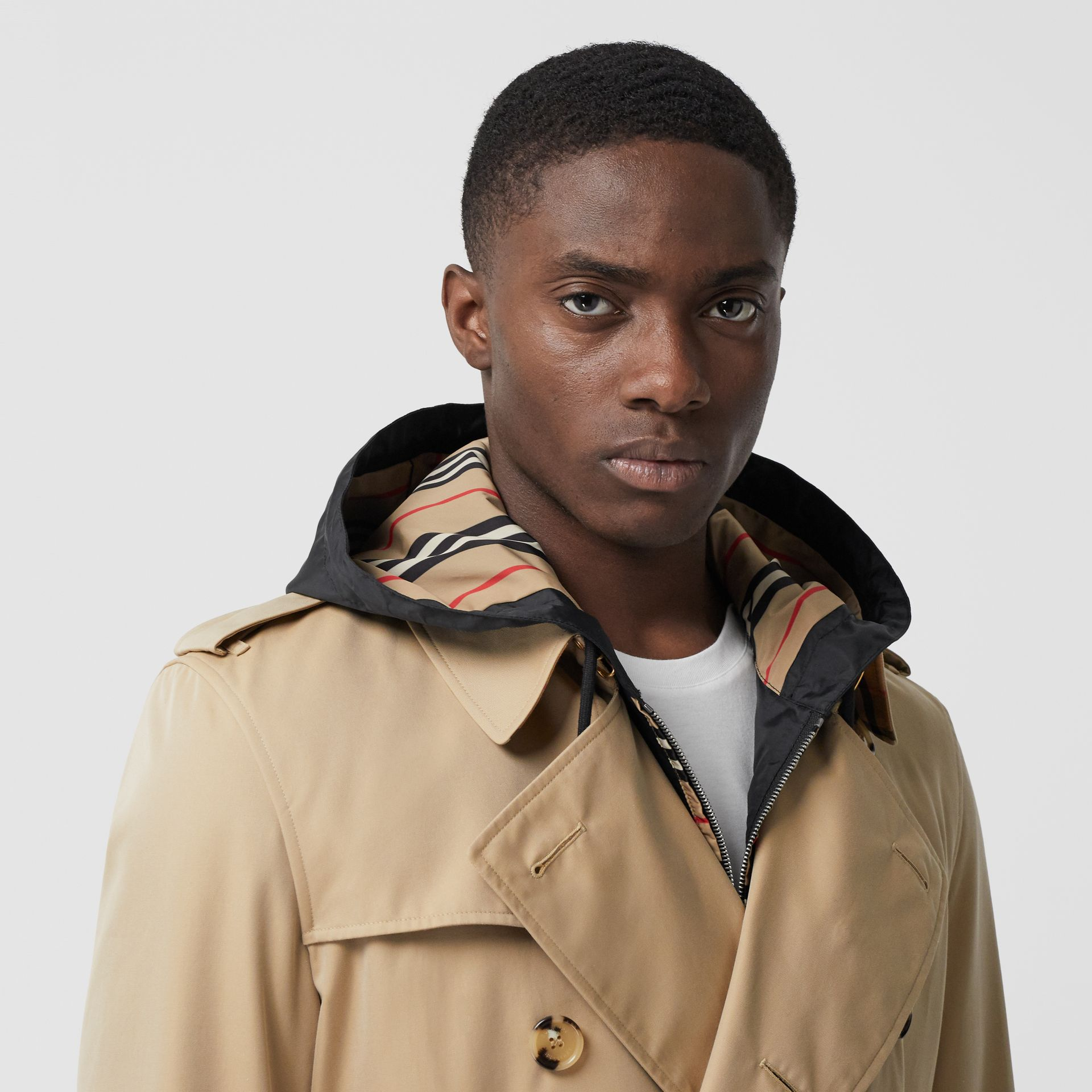 The Long Kensington Heritage Trench Coat in Honey - Men | Burberry - gallery image 4