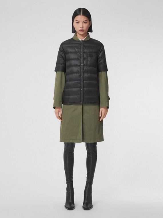 Short-sleeve Lightweight Puffer Jacket in Black