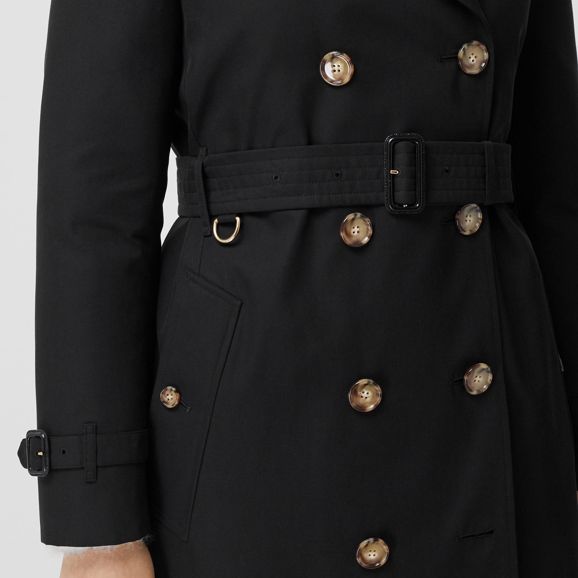 Trench coat Islington curto (Preto) - Mulheres   Burberry - galeria de imagens 5
