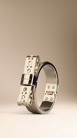 Brogue Detail Bow Bangle