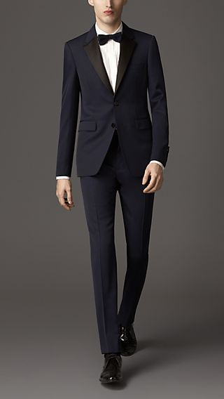 Modern Fit Virgin Wool Tuxedo