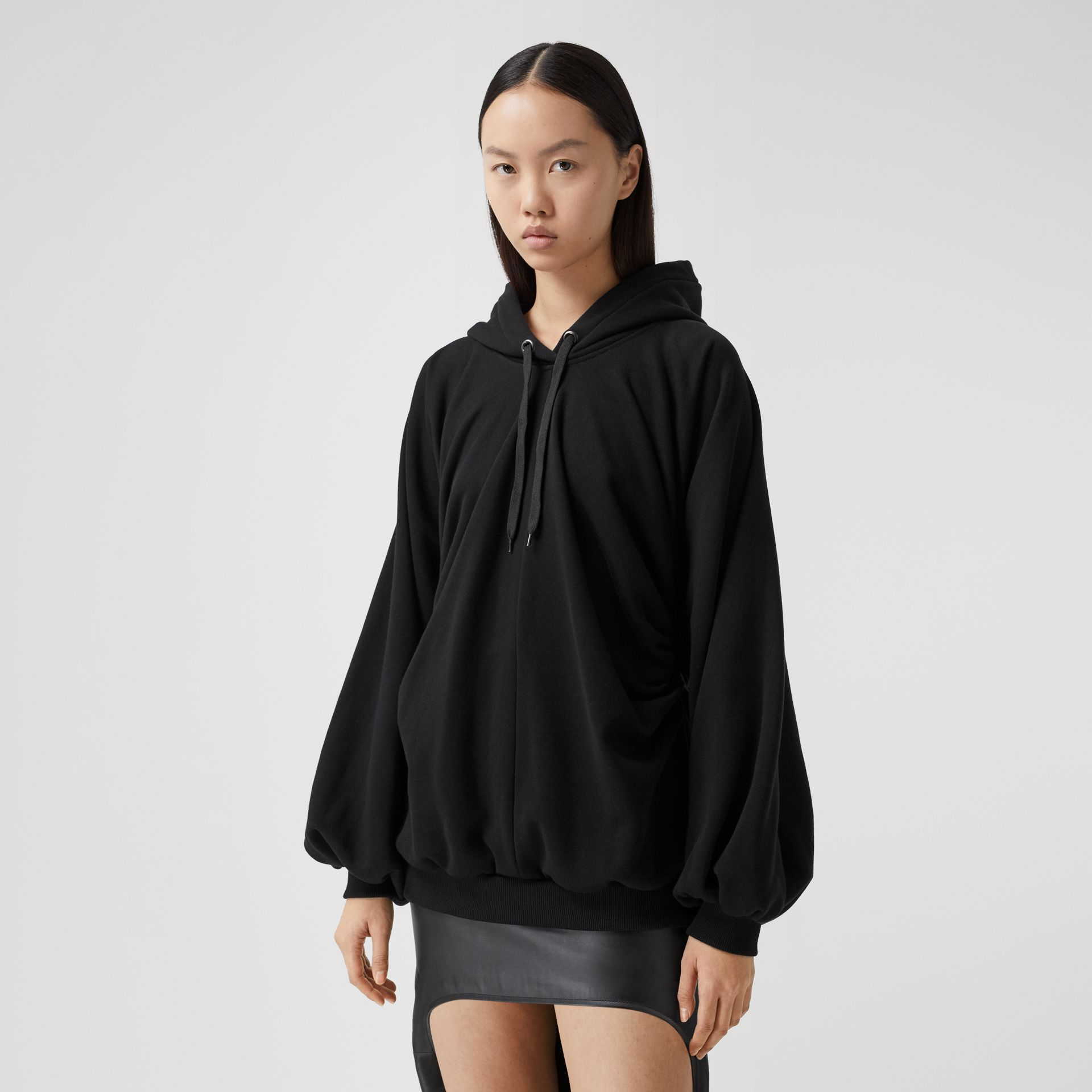 Location Print Gathered Cotton Oversized Hoodie in Black | Burberry United Kingdom - gallery image 5