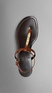 Lock Detail Bridle Leather Sandals