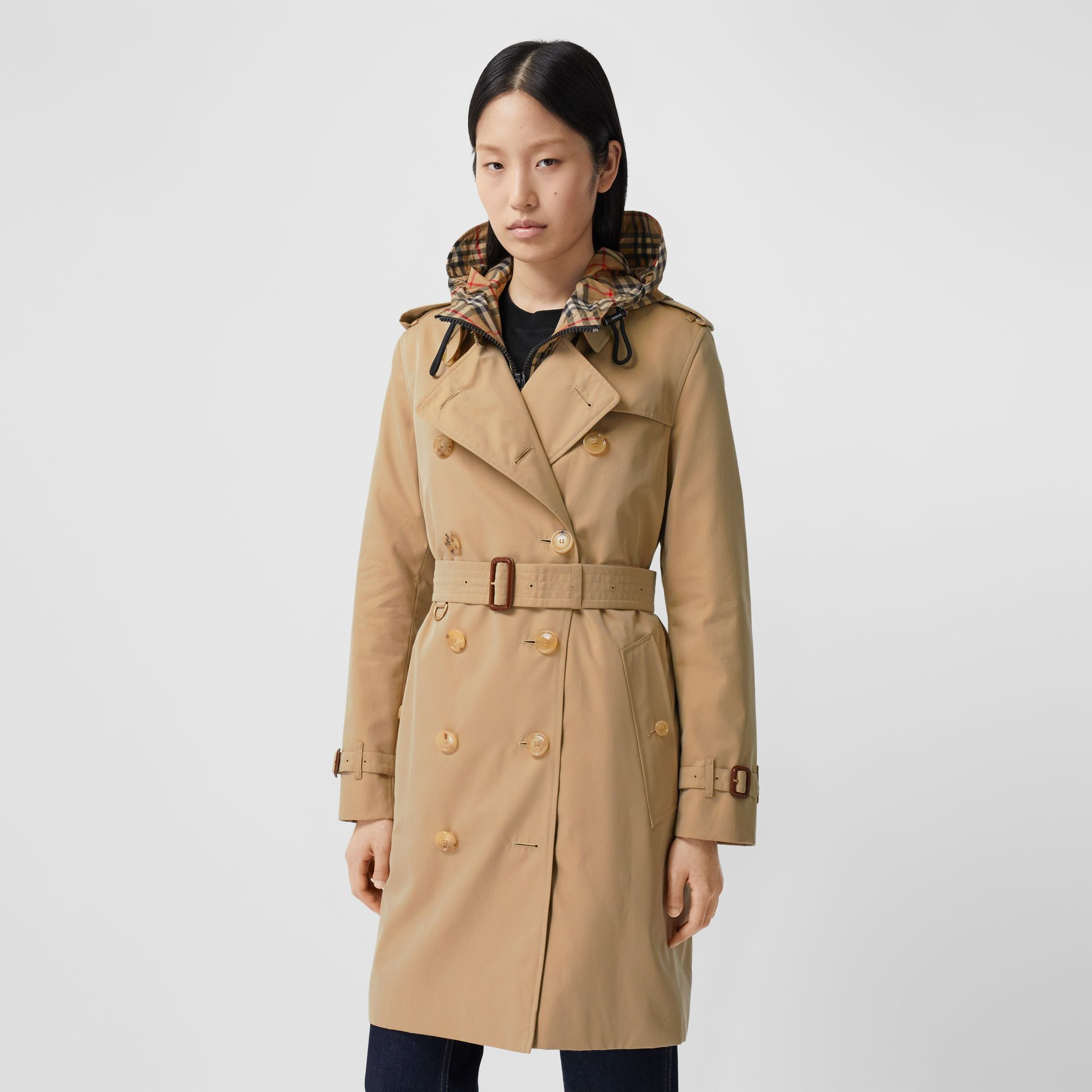 The Mid-length Kensington Heritage Trench Coat in Honey - Women | Burberry Hong Kong S.A.R. - gallery image 6