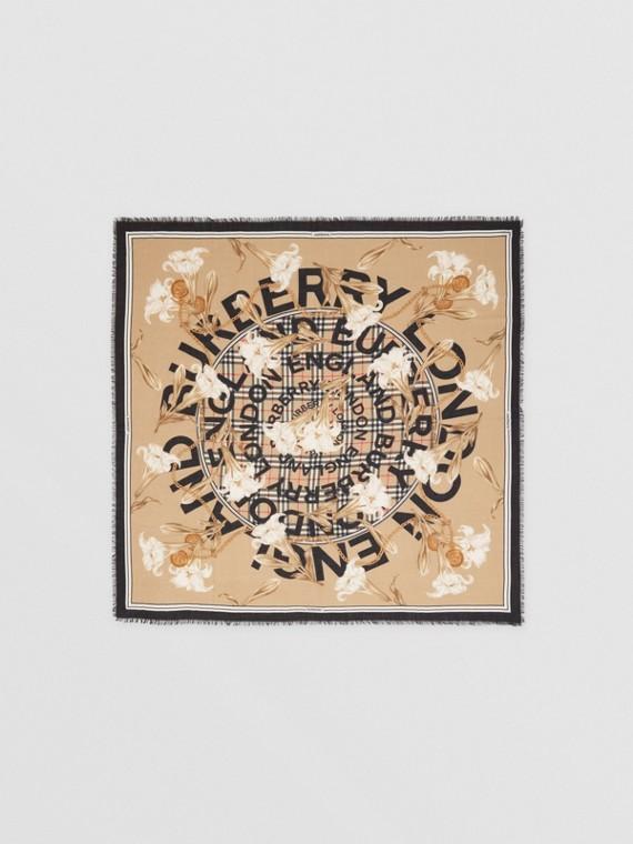 Grand carré de cachemire à imprimé écharpes d'archive (Beige)