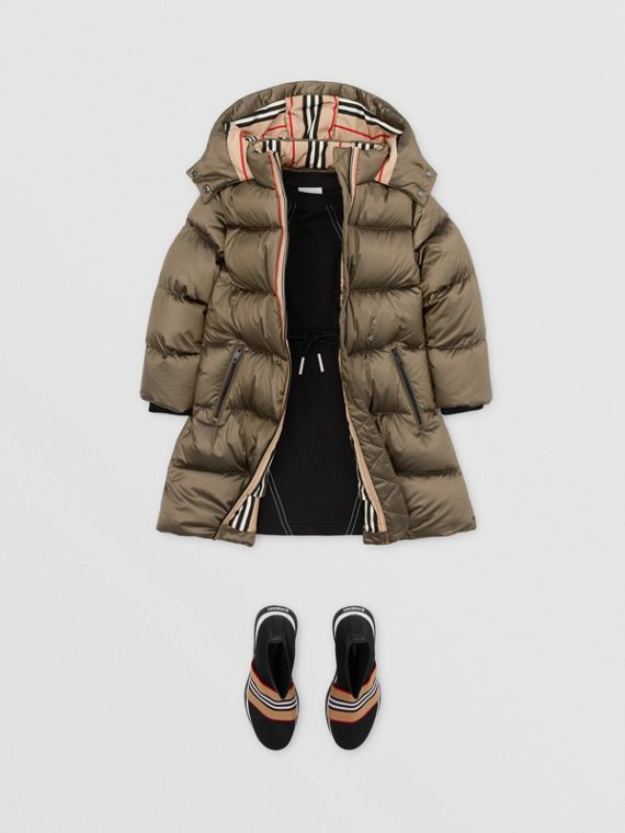 Icon Stripe Trim Hooded Puffer Coat in Smoke