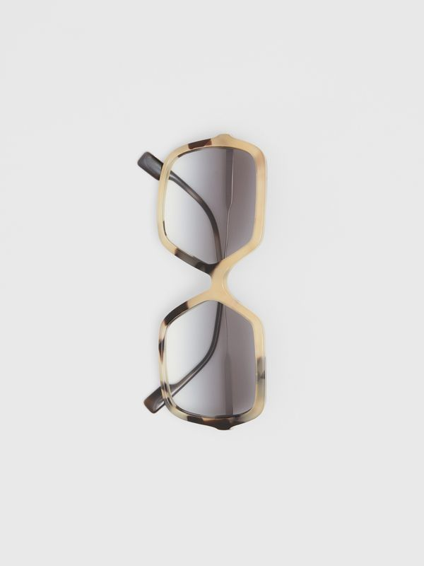 Oversized Square Frame Sunglasses in Honey Tortoiseshell - Women | Burberry - cell image 3