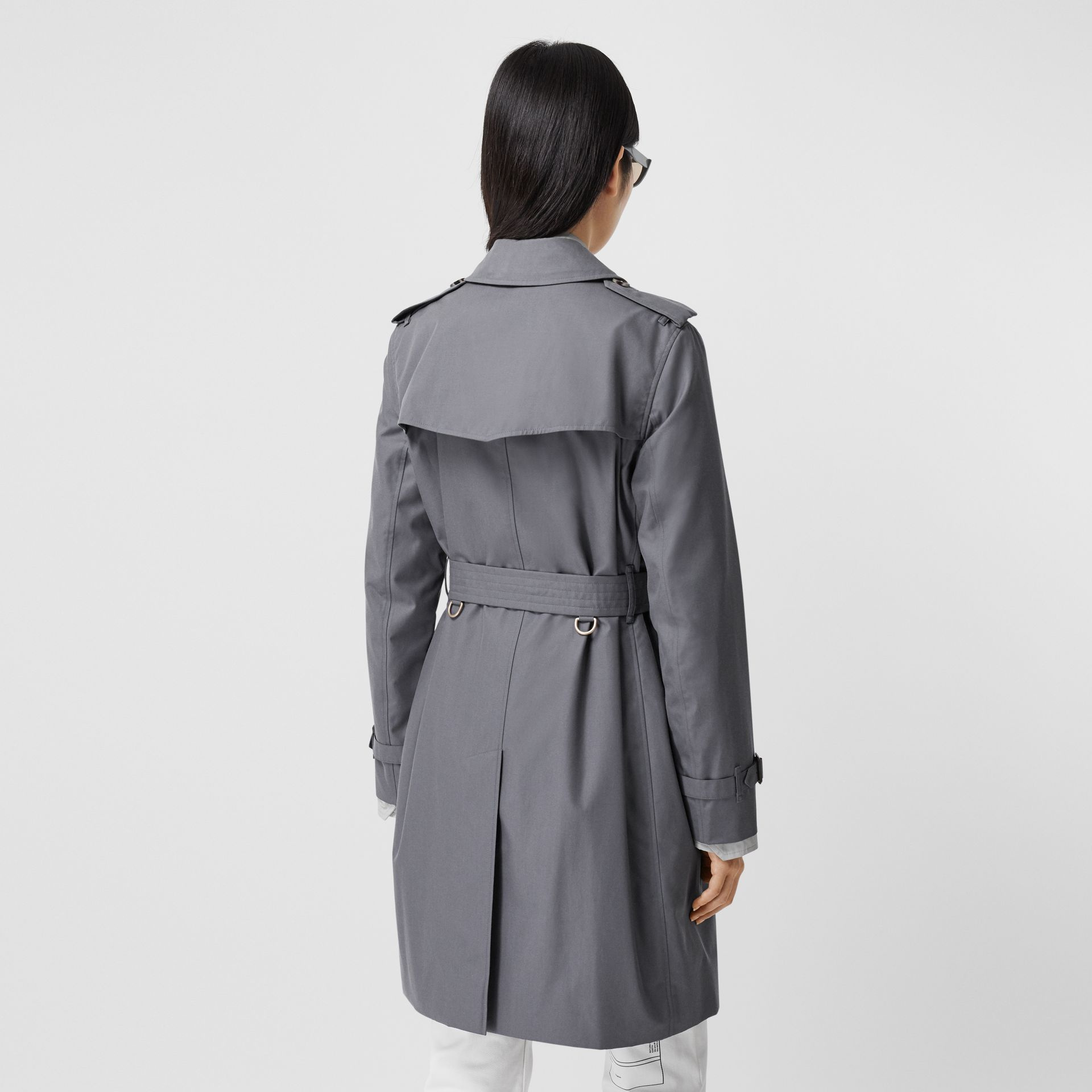 Trench Heritage mi-long The Kensington (Gris Moyen) - Femme | Burberry - photo de la galerie 2