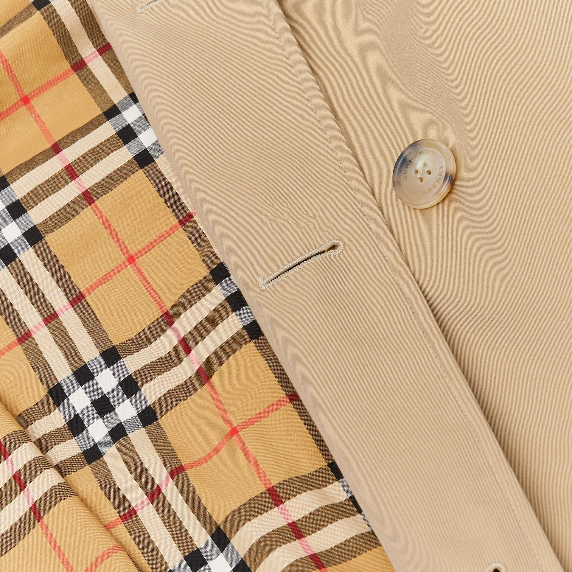 The Long Chelsea Heritage Trench Coat in Honey - Men | Burberry - gallery image 8