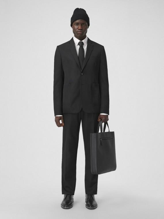 Körperbetontes elegantes Jackett aus technischer Wolle (Schwarz)