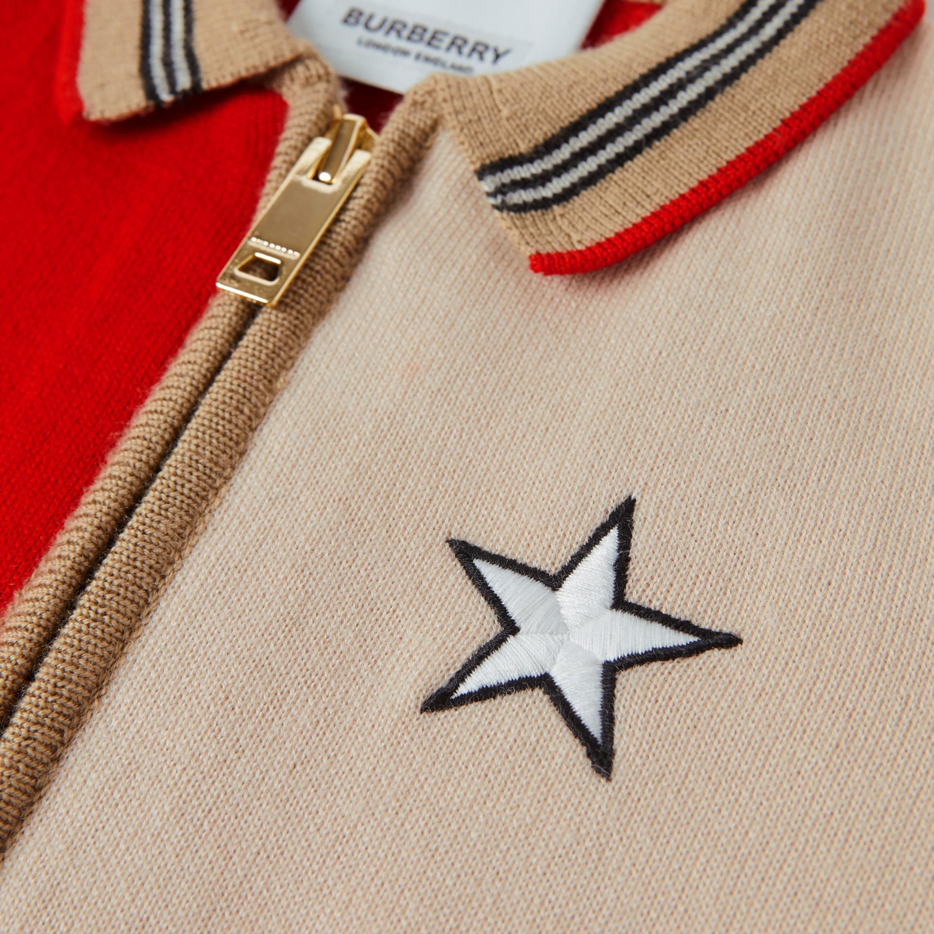 Veste en laine mélangée color-block avec motif étoilé - Enfant | Burberry - photo de la galerie 1