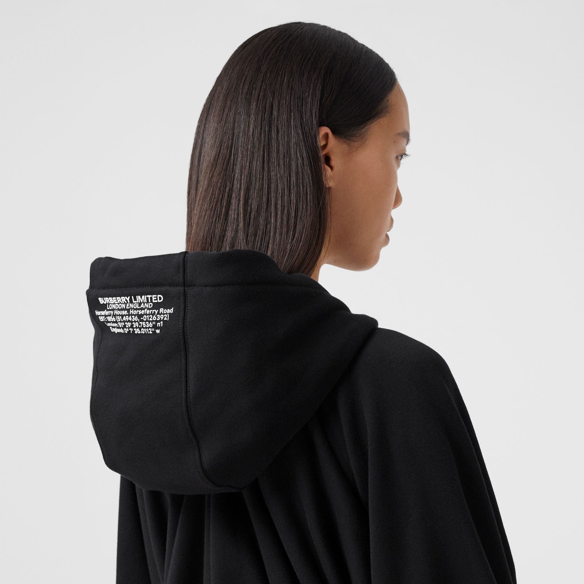 Location Print Gathered Cotton Oversized Hoodie in Black | Burberry United Kingdom - gallery image 4