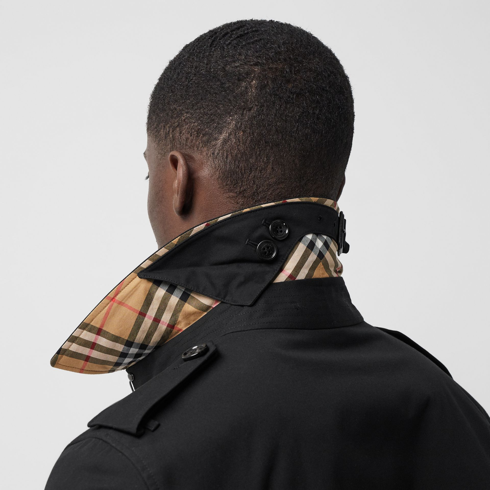 The Long Chelsea Heritage Trench Coat in Black - Men   Burberry - gallery image 1