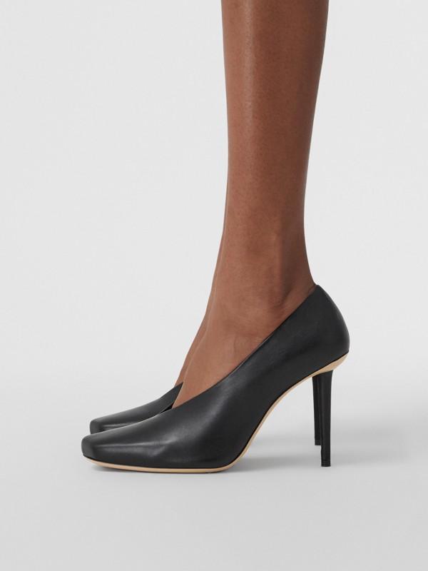 Zapatos de salón esculturales en piel de ovino (Negro) - Mujer | Burberry - cell image 2