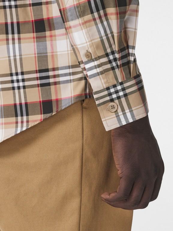 Camisa de algodão stretch com logotipo B bordado (Preto) - Homens | Burberry - cell image 1