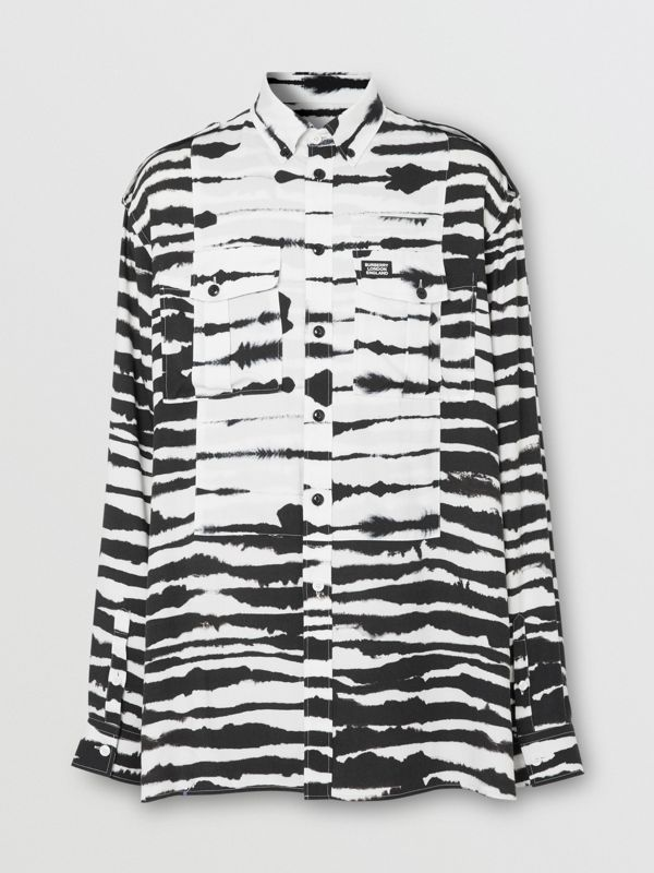 Contrast Bib Watercolour Print Twill Oversized Shirt in Monochrome | Burberry Australia - cell image 3