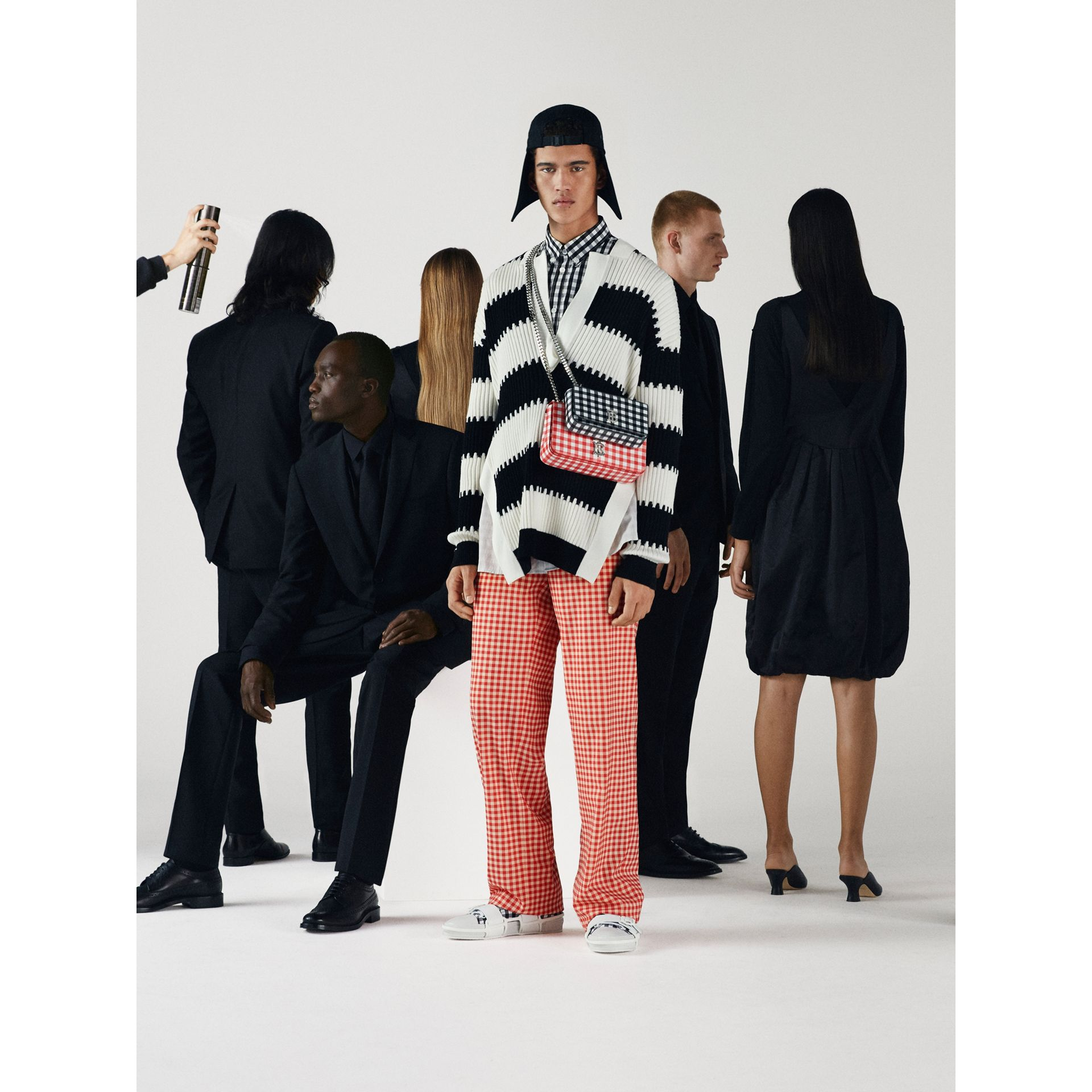 Calças de algodão stretch com estampa xadrez Gingham e recorte traseiro vazado (Vermelho) | Burberry - galeria de imagens 2