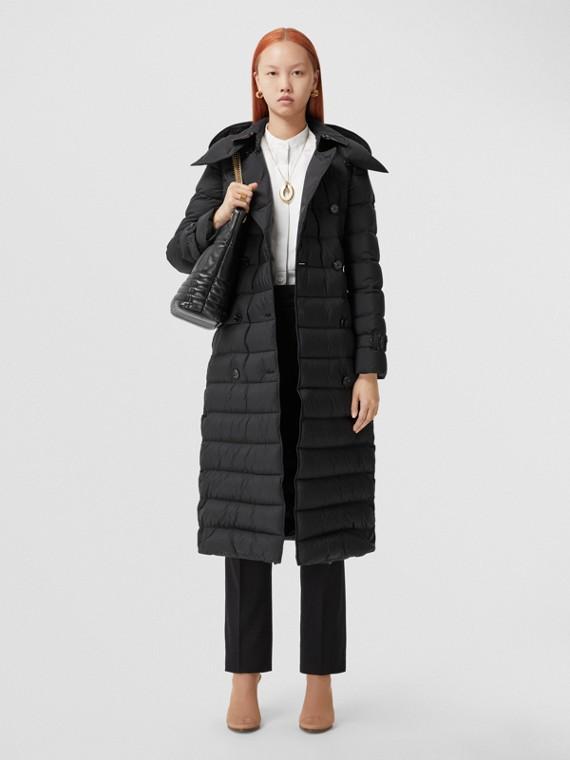 Wattierter Mantel mit abnehmbarer Kapuze (Schwarz)