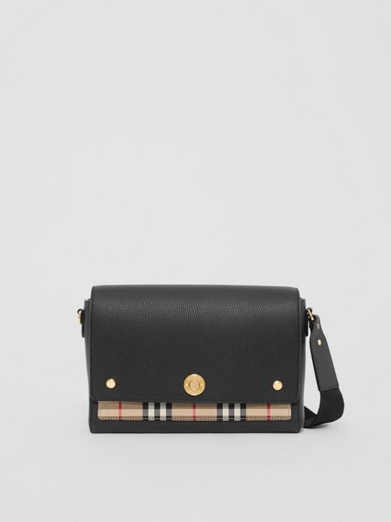 """Crossbody-Tasche """"Note"""" aus Leder und Vintage Check-Gewebe (Schwarz)"""