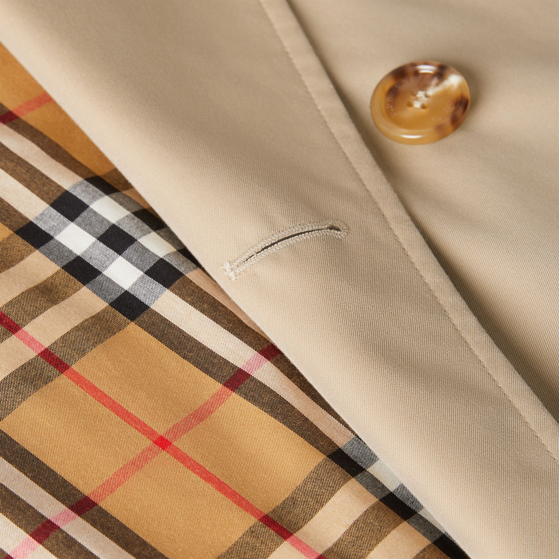 The Long Waterloo Heritage Trench Coat in Honey | Burberry - gallery image 8