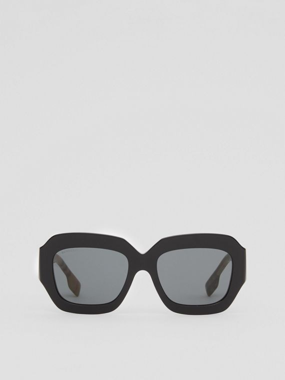 Vintage Check Detail Square Frame Sunglasses in Black