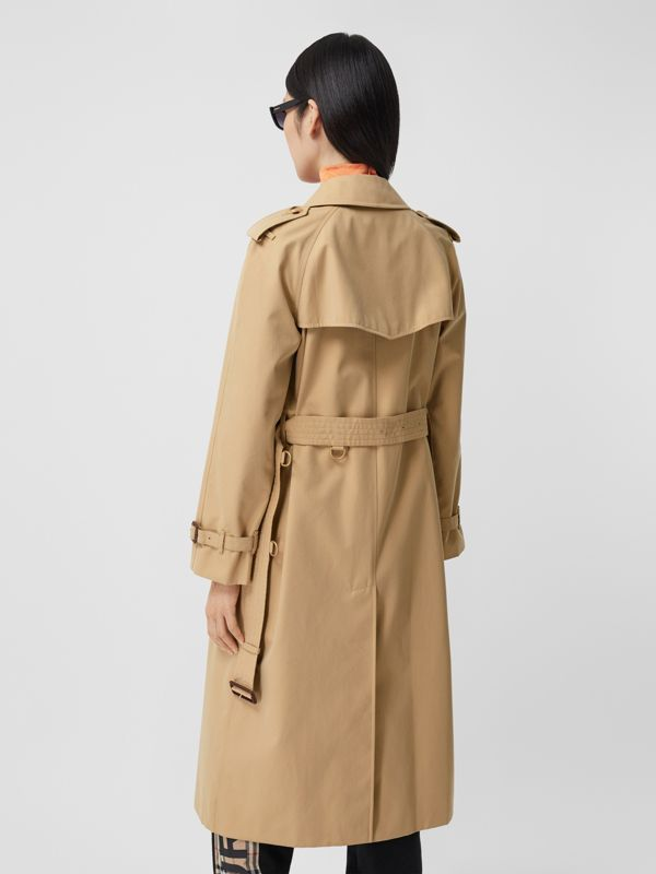 The Long Waterloo Heritage Trench Coat in Honey - Women | Burberry Singapore - cell image 2