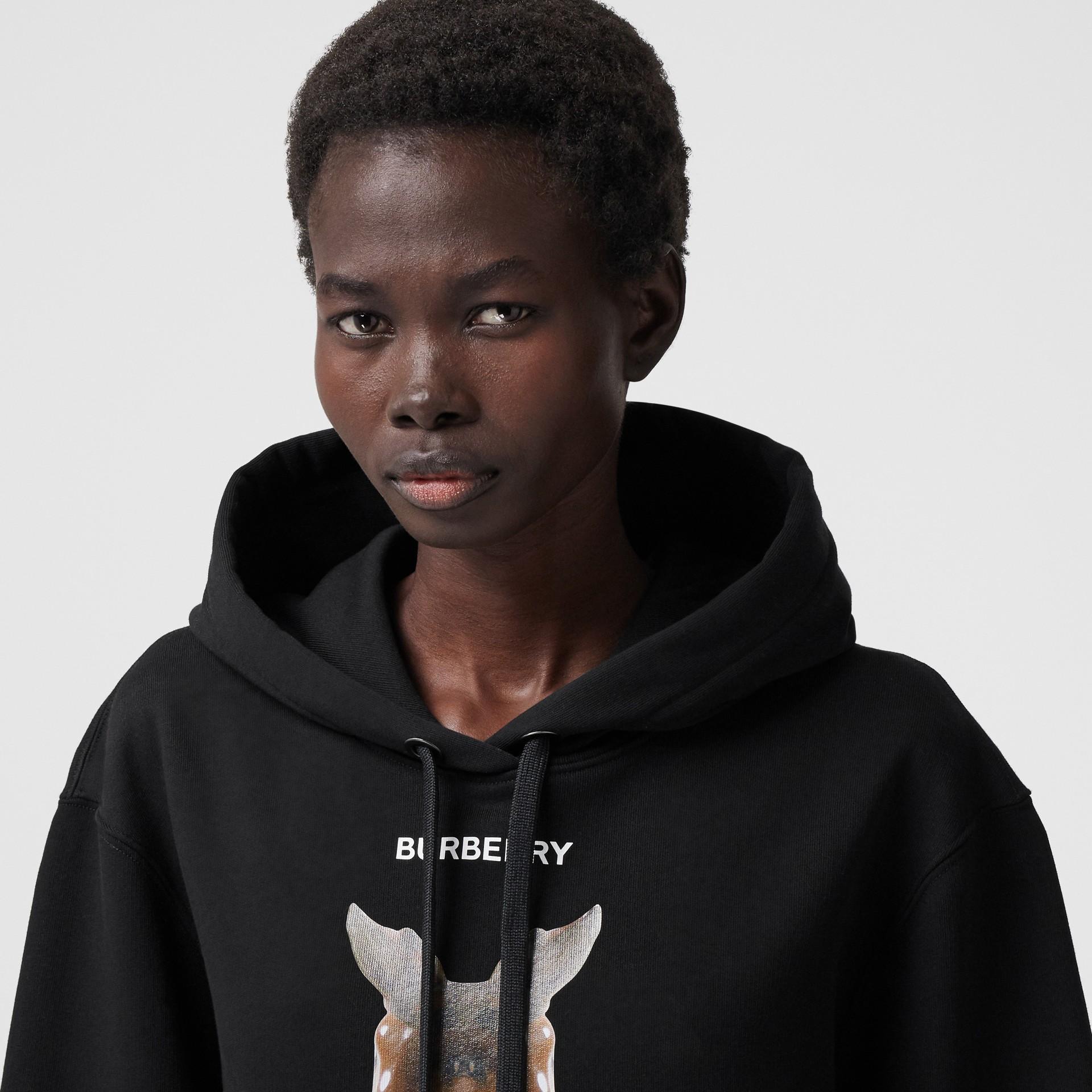 Sweat-shirt à capuche oversize avec imprimé kaléidoscope – Exclusivité en ligne (Noir) - Femme | Burberry - photo de la galerie 1