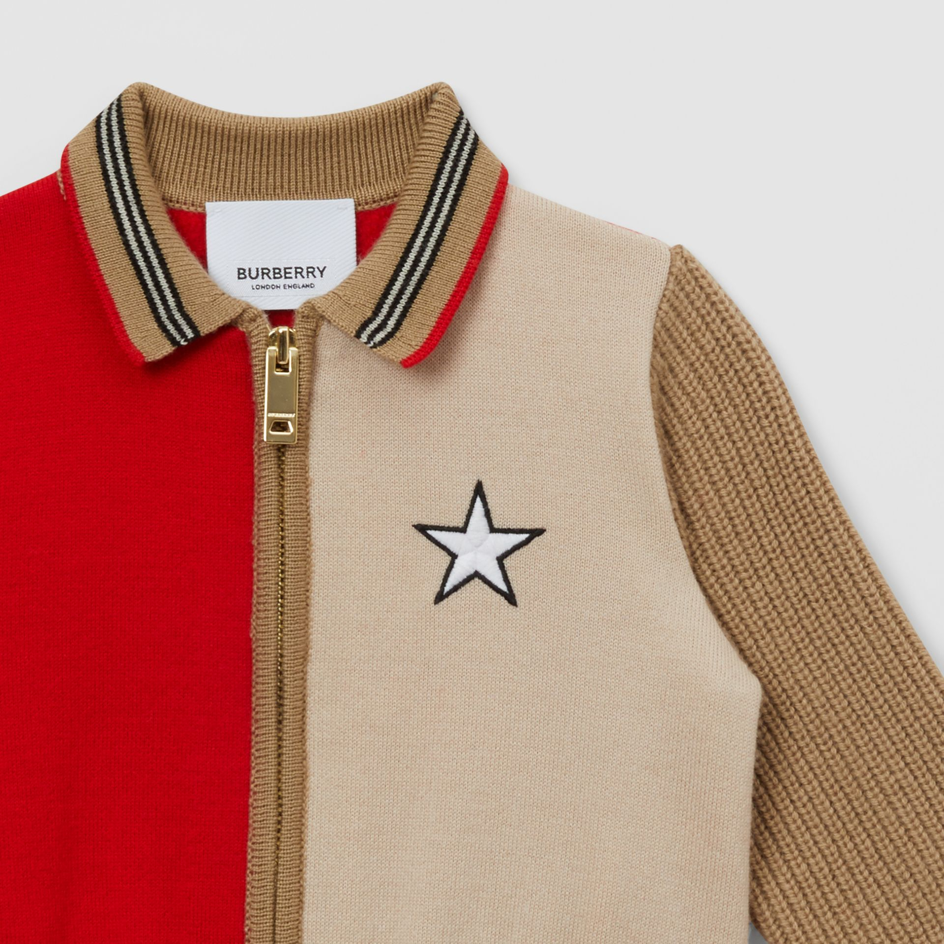 Veste en laine mélangée color-block avec motif étoilé - Enfant | Burberry - photo de la galerie 3
