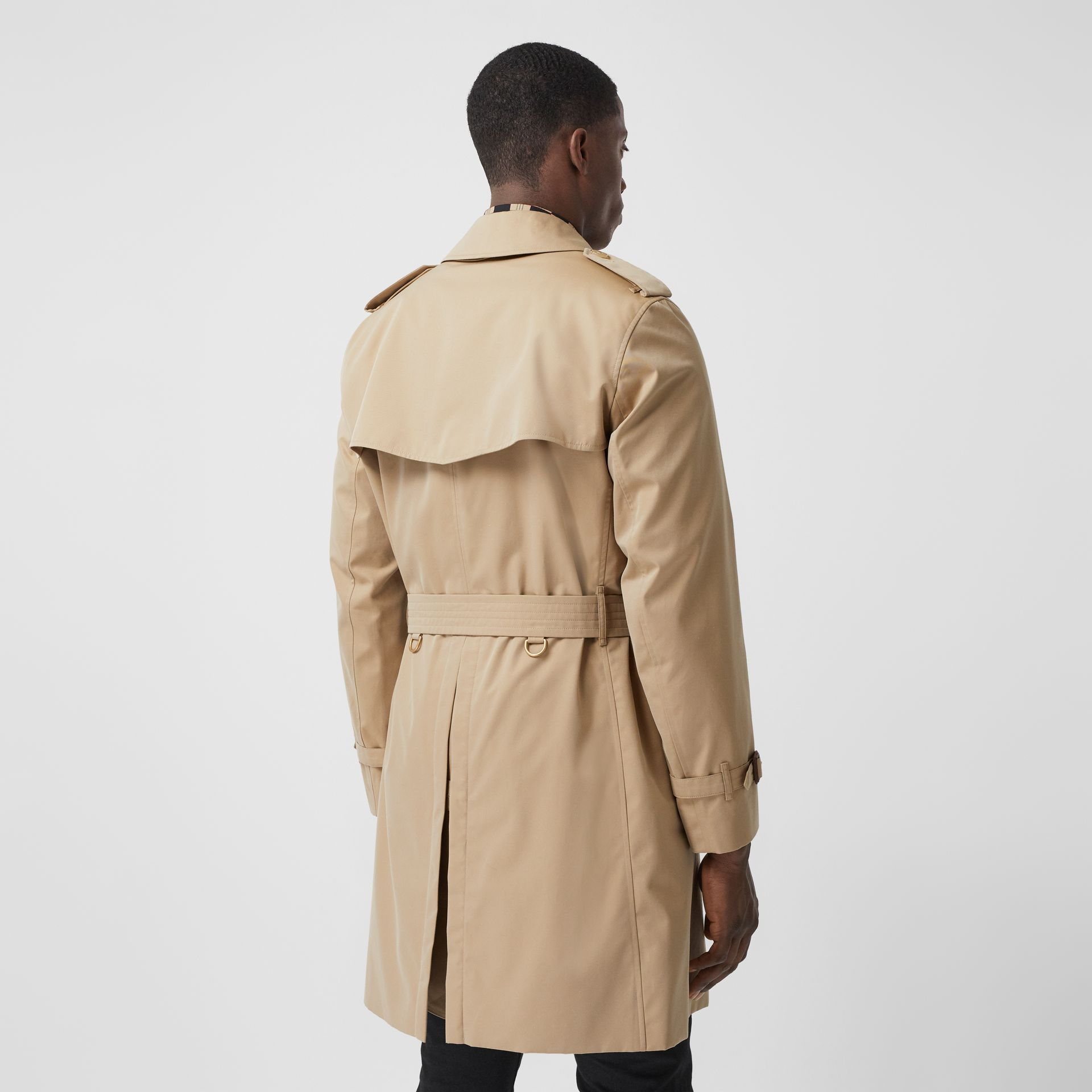 The Mid-length Chelsea Heritage Trench Coat in Honey - Men | Burberry - gallery image 6