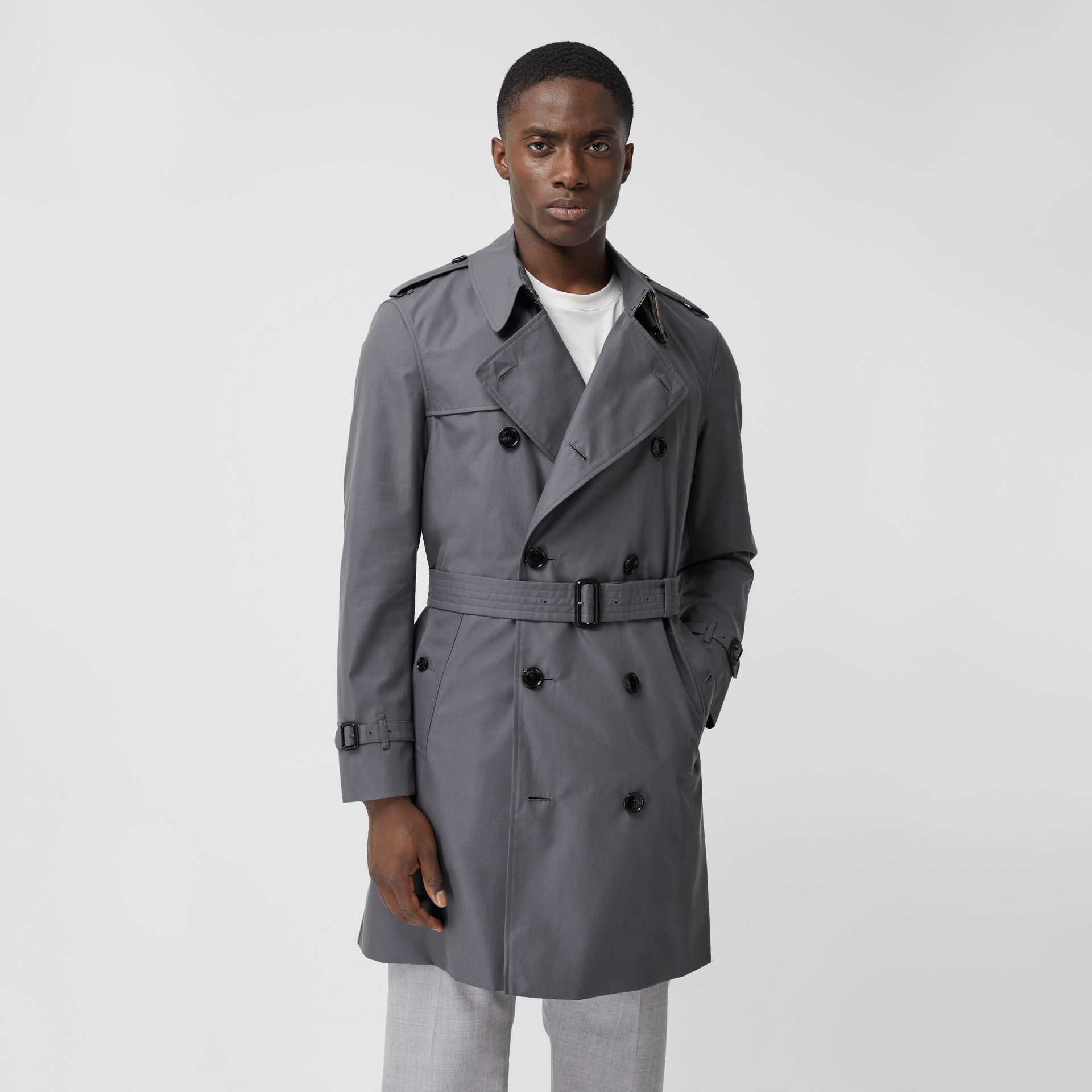 The Mid-length Chelsea Heritage Trench Coat in Grey - Men | Burberry Canada - gallery image 6