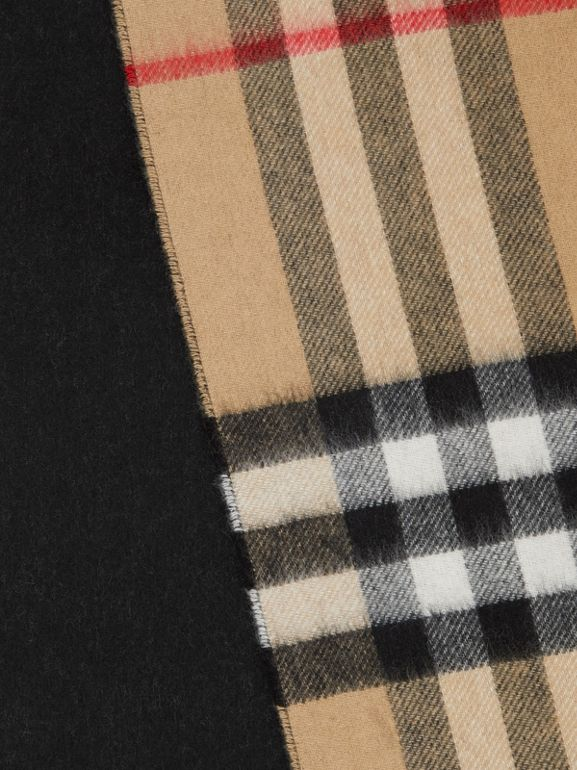 Reversible Check Cashmere Scarf in Black | Burberry Hong Kong S.A.R. - cell image 1