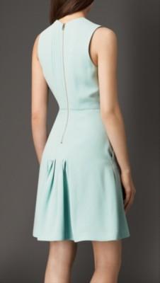 低腰连衣裙