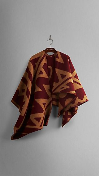 Graphic Motif Blanket Poncho