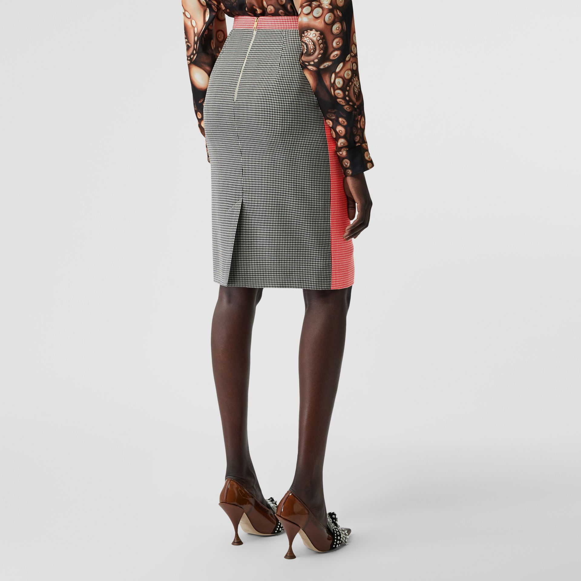 Two-tone Houndstooth Check Wool Pencil Skirt in Bright Red - Women | Burberry United Kingdom - gallery image 2
