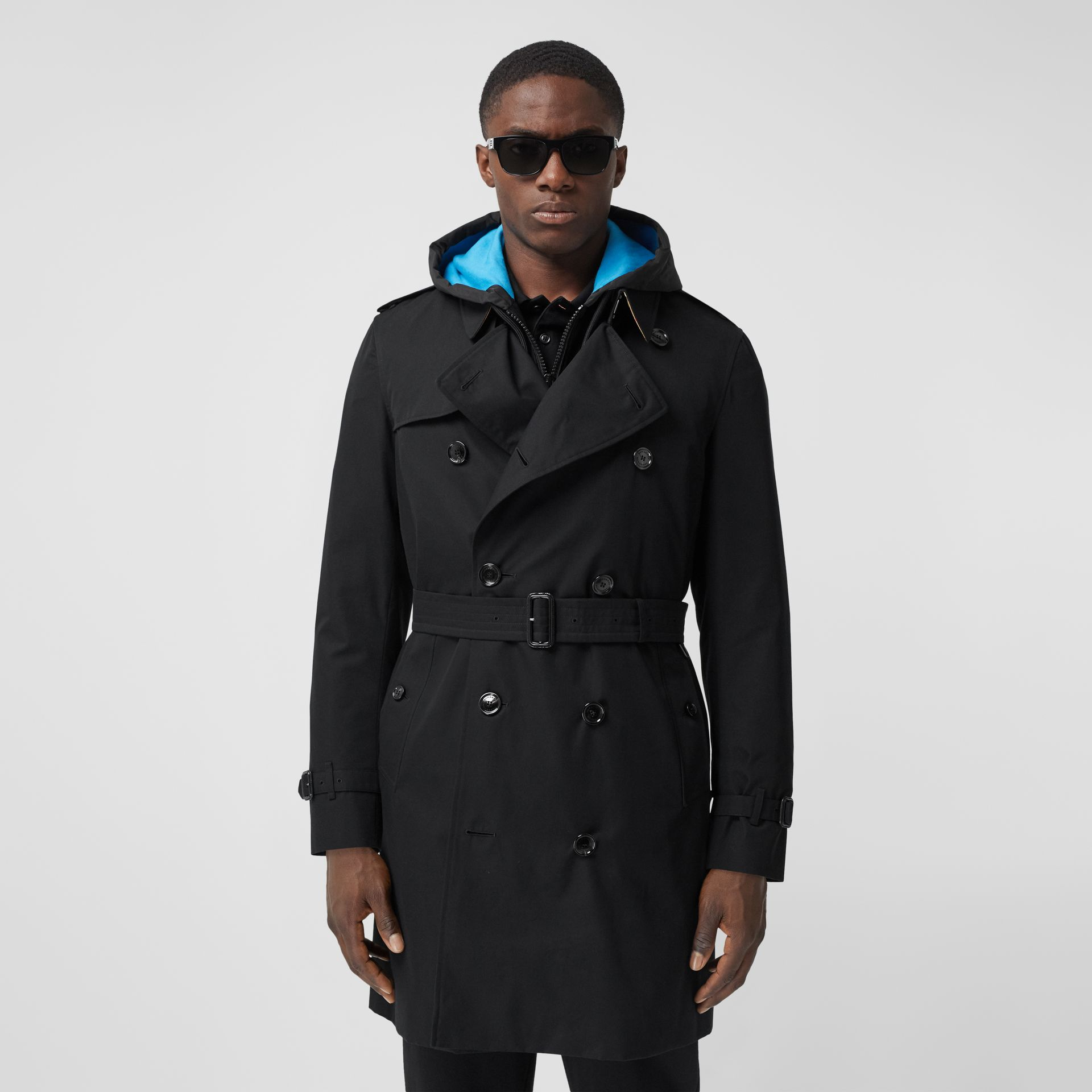 The Mid-length Chelsea Heritage Trench Coat in Black - Men | Burberry Australia - gallery image 7