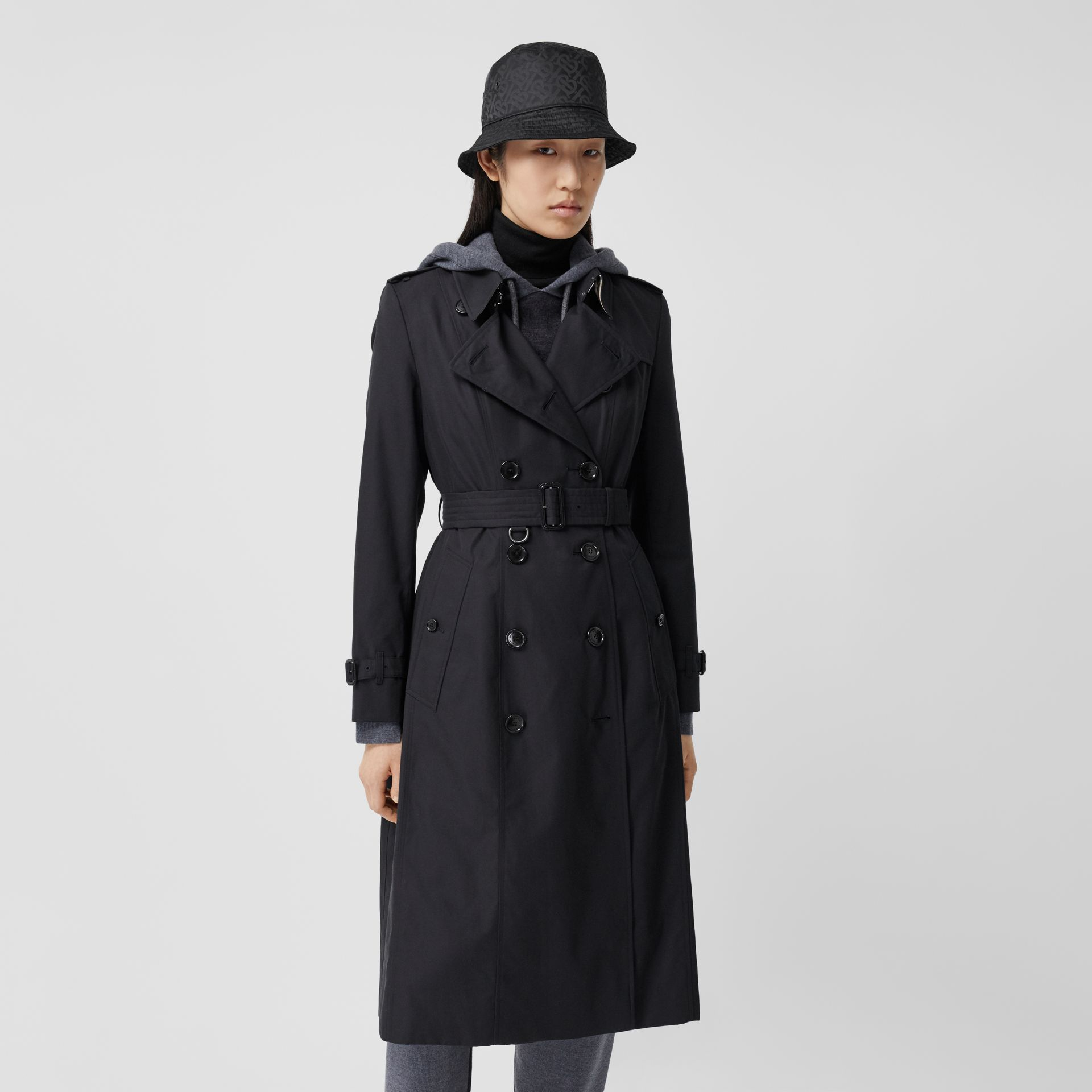 The Long Chelsea Heritage Trench Coat in Midnight - Women | Burberry Australia - gallery image 6