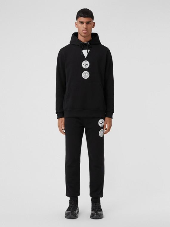 Suéter de algodão com capuz e insígnias (Preto)