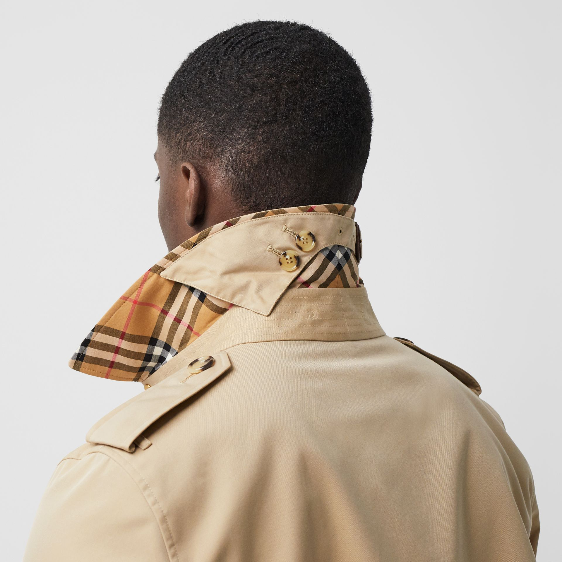 The Long Kensington Heritage Trench Coat in Honey - Men | Burberry United States - gallery image 1