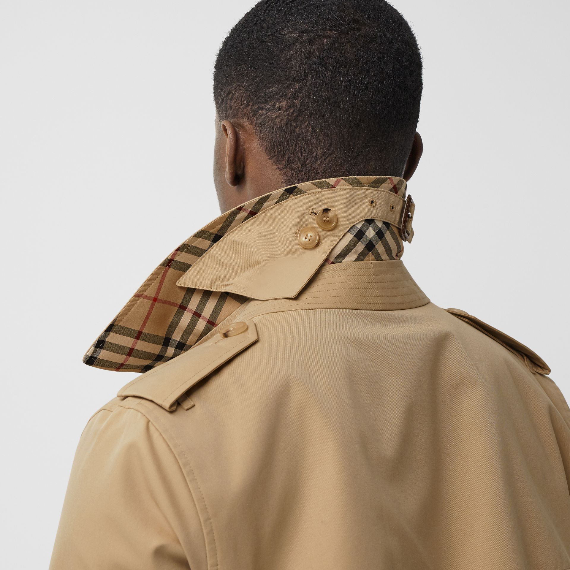 The Short Wimbledon Trench Coat in Honey - Men | Burberry Australia - gallery image 4