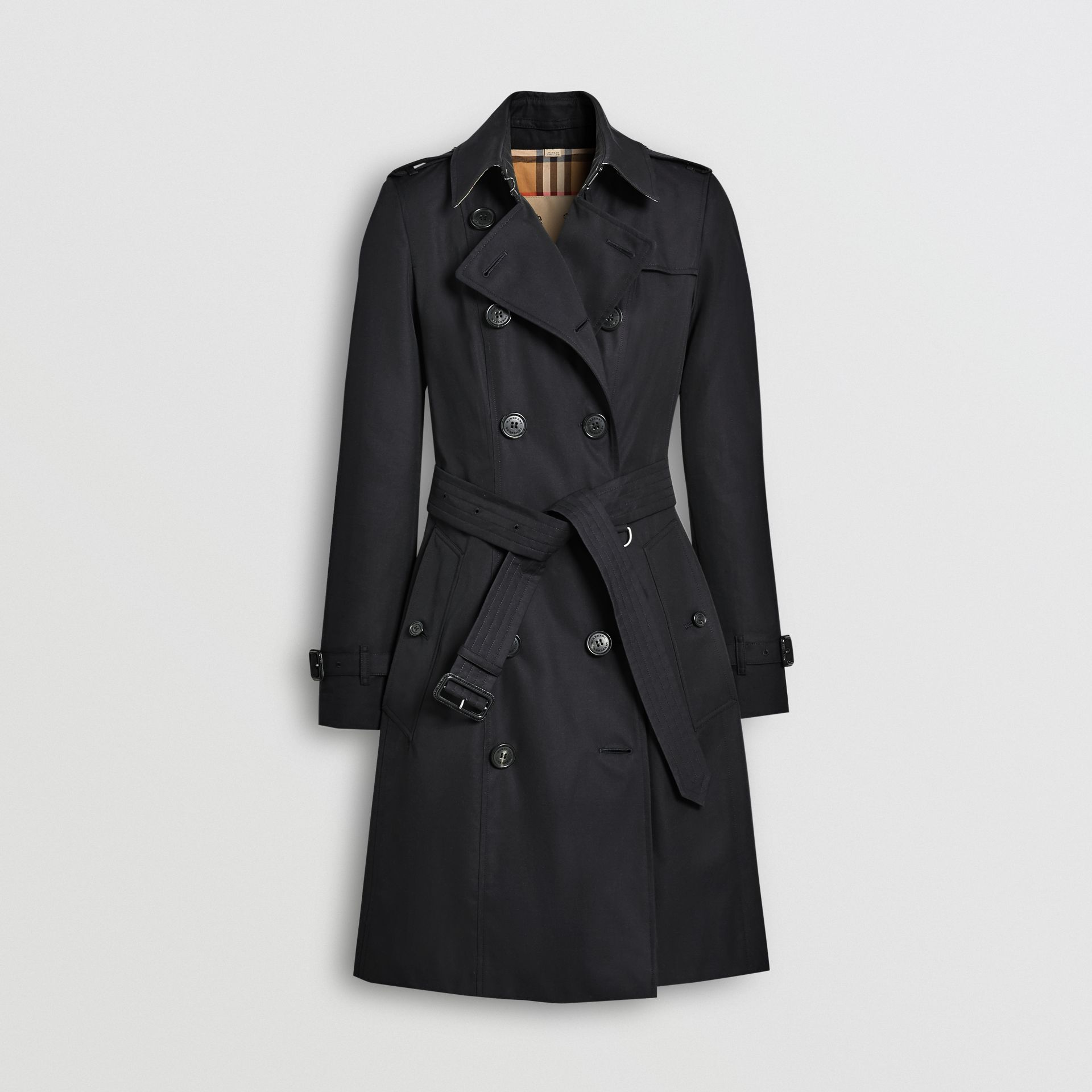 The Mid-length Chelsea Heritage Trench Coat in Midnight - Women | Burberry - gallery image 3