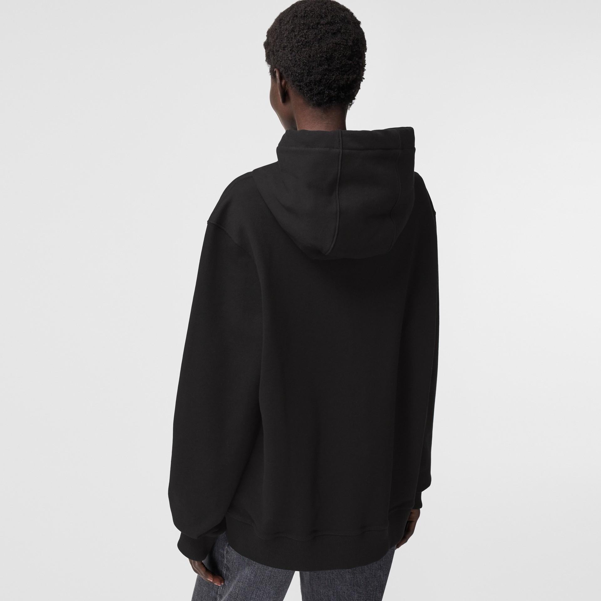 Sweat-shirt à capuche oversize avec imprimé kaléidoscope – Exclusivité en ligne (Noir) - Femme | Burberry - photo de la galerie 2