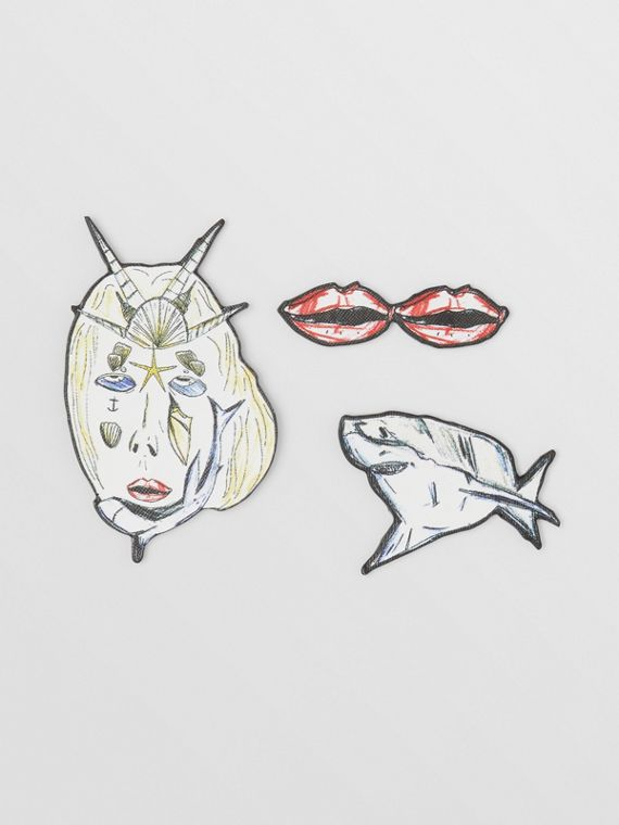 Marine Sketch Print Leather Brooches in Palladio
